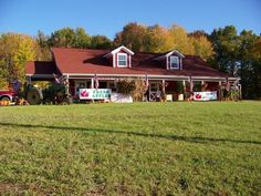 Robinson's Apple Barn   a family operated, open farm market specializing in locally grown fruits, vegetables, and so much more. We grow a variety of Apples to assure you have freshly picked apples from August thru late Fall. Open 7 days a week  10am - 6pm Monday thru Saturday 10am - 5pm on Sunday  5202 St. Rt. 307, Geneva, Ohio (440) 466-6780