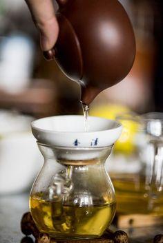Zen Tea, Tea Culture, Tea Art, Chinese Tea, Brewing Tea, Tea Infuser, How To Make Tea, Tea Accessories, Tea Ceremony