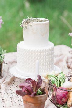 roots shoot – an elegant, organic, farm wedding – Famous Last Words All White Wedding, White Wedding Cakes, Countryside Wedding, Farm Wedding, Whimsical Wedding Cakes, Beautiful Cakes, Amazing Cakes, Marble Cake, Unique Cakes