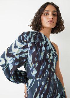 One Sleeve Midi Dress - Blue Print - Midi dresses - & Other Stories GB