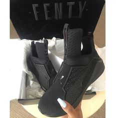 PUMA FENTY TRAINER's by Rihanna Brand new! It comes with a dust bag and box. Size 9 but it'll fit for :) hit me up for more questions! Pumas Shoes, Shoes Sneakers, Shoes Heels, Flats, Cute Shoes, Me Too Shoes, Fab Shoes, Basket A Talon, Sneaker Heels