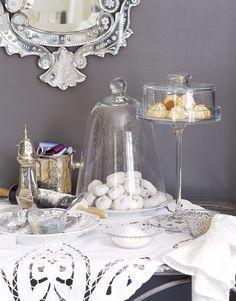 christmas table decoration ideas - sweet display