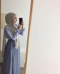 Arab Fashion, Islamic Fashion, Muslim Fashion, Modest Fashion, Modest Outfits, Fashion Dresses, 40s Fashion, Casual Hijab Outfit, Hijab Chic