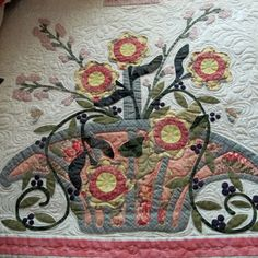 One block of my Floribunda quilt. I love applique and this was a lot of fun to make. By Janet Beyea Longarm Quilting, Hand Quilting, Quilting Ideas, Japanese Patchwork, Patchwork Ideas, Blackbird Designs, Basket Quilt, Sewing Appliques, Cool Artwork