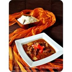 This lamb dish is a traditional South African meal, and is good winter fare. Bredie is an old Cape name for a dish of meat and vegetables stewed together so that the flavors intermingle. New Recipes, Dinner Recipes, Favorite Recipes, Lamb Recipes, Delicious Recipes, Dinner Ideas, Slow Cooker Recipes, Cooking Recipes