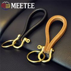 MEETEE Retro Leather Handmade Brass Cowhide D Shackle Clasp Ring Buckle For Bracelet DIY Travel Kit Fastener Clip _ {categoryName} - AliExpress Mobile Version - Leather Keyring, Leather Gifts, Leather Craft, Leather Wallet, Leather Bag, Custom Leather, Cow Leather, Leather Pattern, Leather Projects