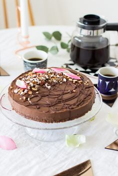Suklaakakku mustapavuista // Black bean chocolate cake