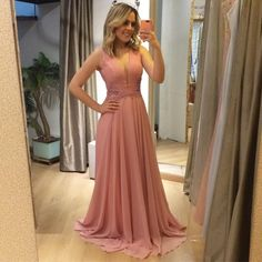 Madrinhas gordinhas в 2019 г. Pink Prom Dresses, Bridesmaid Dresses, Formal Dresses, Dress For You, Perfect Fit, Ball Gowns, Outfits, Clothes, Style