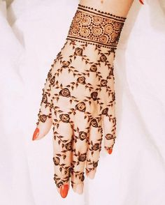 Top handpicked Arabic mehndi designs of Find unique and simple Arabic mehendi designs for hands and legs for weddings. Latest Arabic Mehndi Designs, Mehndi Designs 2018, Mehndi Designs For Beginners, Mehndi Designs For Girls, Unique Mehndi Designs, Beautiful Henna Designs, Mehandi Designs, Latest Mehndi, Heena Design