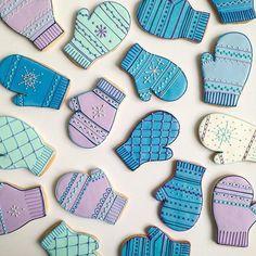 Mitten Cookies // Baked Ideas