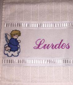 Angel cross stitch for my second mom.  Ponto cruz de anjo para minha segunda mãe.