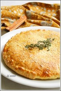 Фото к рецепту: Лепешка из творожного теста с сыром.
