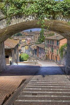 Perugia - Umbria, Italy Oh my goodness.... The walkway, the arch, all leading into the town in the background!