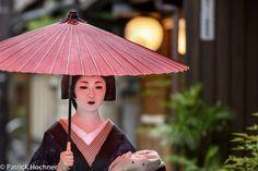 'Geiko in Miyagawa-Cho, by Patosan Kyoto, Patio, Outdoor Decor, Fashion, Asian, Moda, Fashion Styles, Fashion Illustrations, Terrace