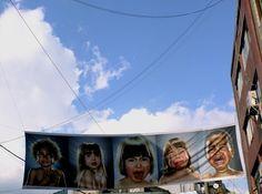 [추천전시회 2012-10-05~2012-11-04 2012 충무로 사진축제]    2012 충무로 사진축제 현장을 다녀왔습니다!  '자연, 존재의 거울'이라는 제목으로 국내외 15명의 작가들의 작품을 만날 수 있는 본전시부터,  정겨운 골목의 모습을 담은 특별전 '골목은 살아있다'까지  다양한 작품들을 만나고 왔는데요.    여러분들도 축제 기간 동안 충무로에 방문하셔서  감탄을 자아내는 멋진 작품들을 만나보시길 바랍니다!  그 전에 후지필름 블로그에서 먼저 만나보는건 어떠세요? ^-^    http://blog.naver.com/fujifilm_x/150150197248