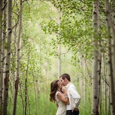 A beautiful Aspen wedding filled with Old Hollywood Glamour... and a chandelier cake!