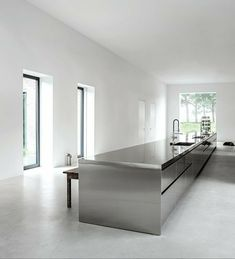 I love this kitchen via Minimalism works so well in this setting. It allows the stainless steel to speak for itself; and whoever thought S. Home Decor Kitchen, Kitchen Furniture, New Kitchen, Metal Kitchen Cabinets, Kitchen Island, Modern Kitchen Design, Interior Design Kitchen, Modern Design, Luxury Kitchens