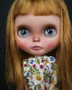 Dívka pro adopci. Dnes na mém Etsy, nebo pošlete mi na přímý Je to SBL Blythe White Magic odpoledne Letní dívka s medovými vlasy ..