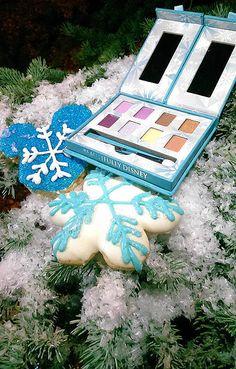 Pin for Later: Dear Santa, We Want the New Frozen Makeup Kits For Christmas The Frozen-Inspired Palette Disney Inspired Makeup, Disney Princess Makeup, Disney Makeup, Ice Princess, Disney Destinations, Disney World Resorts, Disney Parks, Walt Disney, Frozen Makeup