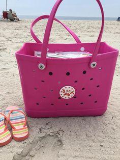 A day at the beach! Large Beach Bags, Large Tote, Large Bags, Beach Kids, Beach Fun, Best Beach Bag, O Bag, Beachwear Fashion, Beach Ready