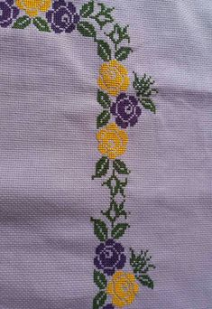 This Pin was discovered by Ayf Cross Stitch Borders, Cross Stitch Flowers, Cross Stitch Designs, Embroidery Stitches, Embroidery Patterns, Hat Patterns, Crochet Baby, Folk Art, Diy And Crafts