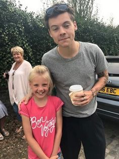 helenprior_: harrystyles thank you for taking photos with my family today, so gutted I missed out!