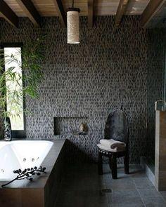 Badkamer met steenstrips