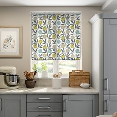 The Blomma Kiwi roller blind features a gorgeous fruitful pattern, designed in a way that's contemporary, and printed in a way that adds a relaxed, almost rustic vibe.