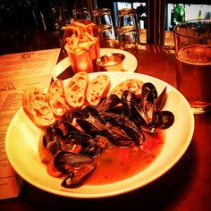 Try some great food @seasaltnash. Now serving mussels brewed in the Citrus Pepper along with other great fair in downtown Nashville on 3rd Ave. Great for dinner or lunch. Try now before this place...