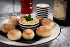 Pizza Express dough balls, with garlic butter