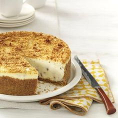 Butter Pecan Cheesecake! Think Matt would love this for Easter.