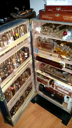 Old fridge converted into a humidor. Cigars And Whiskey, Pipes And Cigars, Cigar Smoking, Smoking Room, Cigars And Women, Cigar Holder, Cigar Store, Cigar Club, Cigar Humidor