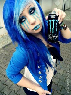 "Emo girl wants to look like can of energy drink. Because when I think ""emo"" I think ""I ton of great energy."""
