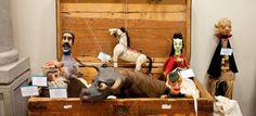 Museo historia del títere. Una colección de 350 muñecos fabricados en México, Europa y toda América Latina se exhiben en este recinto que se encuentra en Tepotzotlán. Aquí se exhiben complejas obras de artesanos que van desde el títere de varilla hasta la marioneta. Se puede pensar que el museo va dirigido únicamente a niños pero no es así, pues entrar a este espacio resulta todo una fantasía protagonizada por seres oníricos de cuentos (animales, bailarines, toreros, calaveras, etc) y…