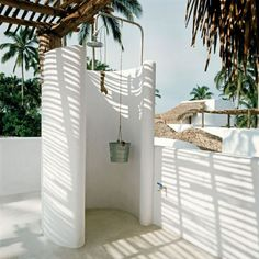 Outdoor shower at Azucar Hotel in Mexic. Architects Elias Adam and Jose Robredo, interior designer Carlos Couturier. Foto Design Hotels