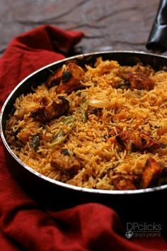 Chicken Biryani is a bold and flavorful Indian dish with crazy tender bites of chicken with bell peppers in a deliciously spiced and fragrant rice. Indian Chicken Recipes, Veg Recipes, Curry Recipes, Indian Food Recipes, Asian Recipes, Vegetarian Recipes, Cooking Recipes, Arabic Recipes, Chicken Byriani Recipe