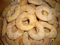 Receitas de Portugal: Borrachos Alentejanos - São muito bons e fáceis de fazer Portuguese Desserts, Onion Rings, Portugal, Christmas Desserts, Doughnut, Pineapple, Bread, Candy, Ethnic Recipes