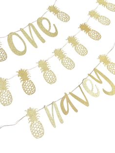 These pineapple party decorations are the perfect way to add a touch of glitter and fun to your pineapple birthday party, cake smash photo session, luau or any other pineapple themed event. The pineapples are made with gold glitter, and the banners can be made to read anything youd like. Each letter for the birthday and name banners are approximately 5 tall. The ONE banner letters are approximately 6 tall. All garlands and banners are strung on 6 natural twine. If you need longer strings…