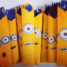 *Sorry, no link...just a visual idea* Plasticware for my daughter's minion party. Simply wrapped the utensils in a yellow napkin and used double sided tape to adhere the printed goggles and mouth :) Despicable Me-Minion Party