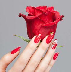 Buon #San #Valentino a tutti voi! Rendetelo ancora più speciale con Estrosa! #nails #semipermanente #waterproof #red #love