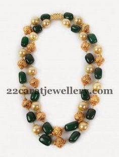 Jewellery Designs: Two Layers Pearls Emeralds Drops Set India Jewelry, Kids Jewelry, Bead Jewellery, Gold Jewelry, Beaded Jewelry, Jewelry Accessories, Beaded Necklace, Jewelry Design, Necklaces