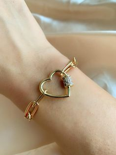 Classic jewelry vibe combined with the fashion-forward trend. Cute Jewelry, Jewelry Accessories, Open Ring, Bridesmaid Earrings, Heart Bracelet, Purple Gold, Handmade Bracelets, Jewelry Bracelets, Ring Designs