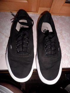 92fc2bae51 VANS Men s Classic Black Canvas Lace Up Sneakers M 7   W 8.5 Clean!  VANS…