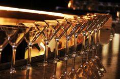 The Most Effective Method to Make The Best Martini Casino Royale, Alexander Skarsgard, Martinis, James Bond, Best Mixed Drinks, Shaken Not Stirred, Licence To Kill, Barcelona, Crescendo