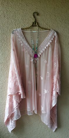Holiday getaway Italian flowy sleeve beach tunic for resort with floral embroidery and crochet trim / Bohemian Angel Boho Gypsy, Bohemian Style, Boho Chic, Hippie Style, Gypsy Style, Hippie Chic, Hippie Outfits, Ladies Dress Design, Boho Dress