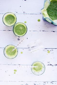 Coconut Green Smoothie | Foodess