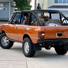 Image may contain: car and outdoor Range Rover Classic, Range Rover Jeep, Garage Workshop Plans, Range Rover Supercharged, Land Rover Models, Suv 4x4, Convertible, Cars Land, Toyota Fj Cruiser
