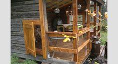 IDEA 2011 -kilpailun voittaja: Huvimaja vanhoista hirsistä Ladder Decor, Cabin, House Styles, Home Decor, Decoration Home, Room Decor, Cabins, Cottage, Home Interior Design
