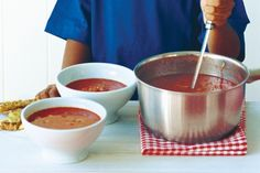 """""""I'm a star"""" Tomato Soup The ultimate in comfort food is a steaming bowl of tomato soup and grilled cheese toast. Best Soup Recipes, Tomato Soup Recipes, Favorite Recipes, Free Recipes, Dinner Recipes, Low Gi Diet, Cheese Toast, Comfort Food, Calorie Intake"""