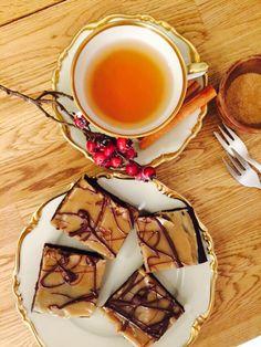 Brownies mit Erdnuss-Sesam-Topping